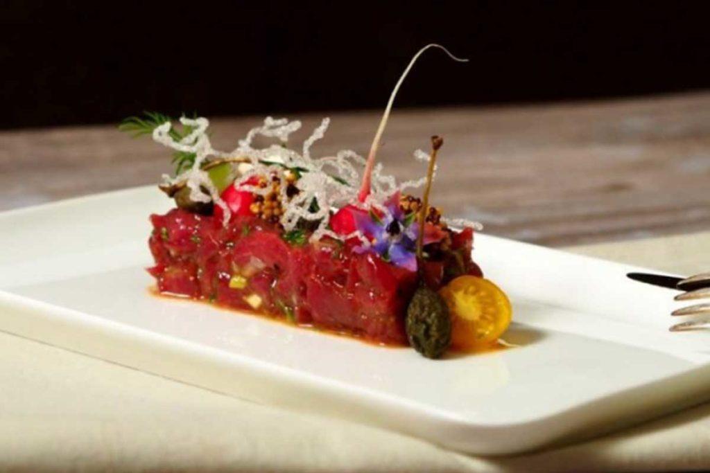 Delikatessen, Wurst- und Fleischprodukte Rindertartar